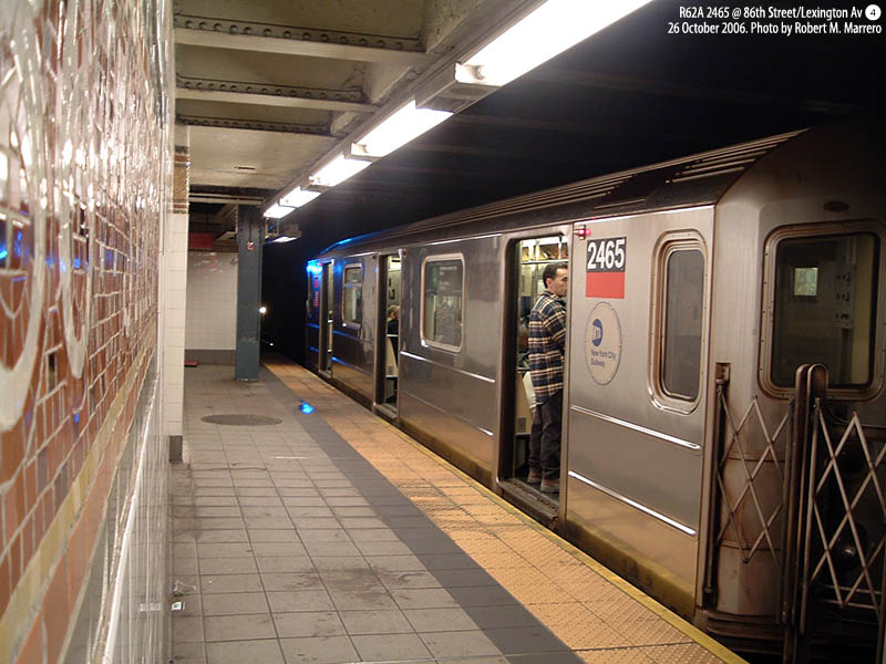(127k, 800x600)<br><b>Country:</b> United States<br><b>City:</b> New York<br><b>System:</b> New York City Transit<br><b>Line:</b> IRT East Side Line<br><b>Location:</b> 86th Street <br><b>Route:</b> 4<br><b>Car:</b> R-62A (Bombardier, 1984-1987)  2465 <br><b>Photo by:</b> Robert Marrero<br><b>Date:</b> 10/26/2006<br><b>Viewed (this week/total):</b> 3 / 5932