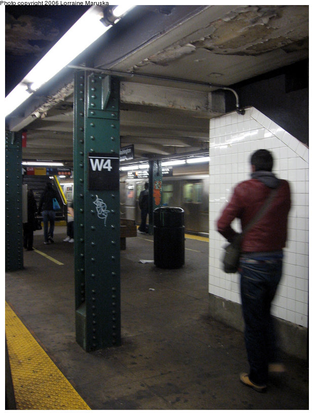 (132k, 620x820)<br><b>Country:</b> United States<br><b>City:</b> New York<br><b>System:</b> New York City Transit<br><b>Line:</b> IND 6th Avenue Line<br><b>Location:</b> West 4th Street/Washington Square <br><b>Photo by:</b> Lorraine Maruska<br><b>Date:</b> 10/23/2006<br><b>Viewed (this week/total):</b> 3 / 1841