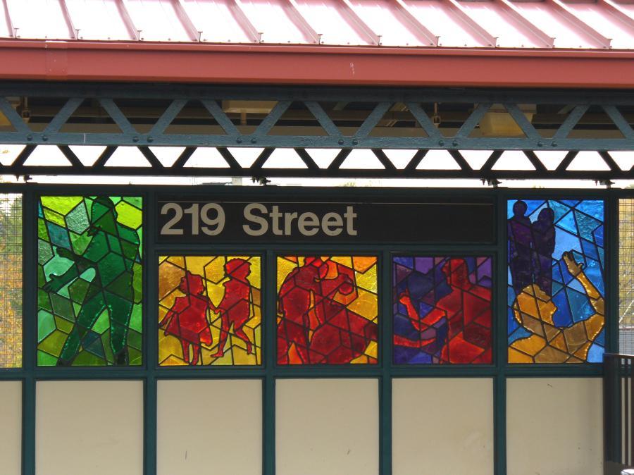 (112k, 900x674)<br><b>Country:</b> United States<br><b>City:</b> New York<br><b>System:</b> New York City Transit<br><b>Line:</b> IRT White Plains Road Line<br><b>Location:</b> 219th Street <br><b>Photo by:</b> Robbie Rosenfeld<br><b>Date:</b> 10/27/2006<br><b>Artwork:</b> <i>Homage</i>, Joseph D'Alesandro (2006).<br><b>Viewed (this week/total):</b> 0 / 2371
