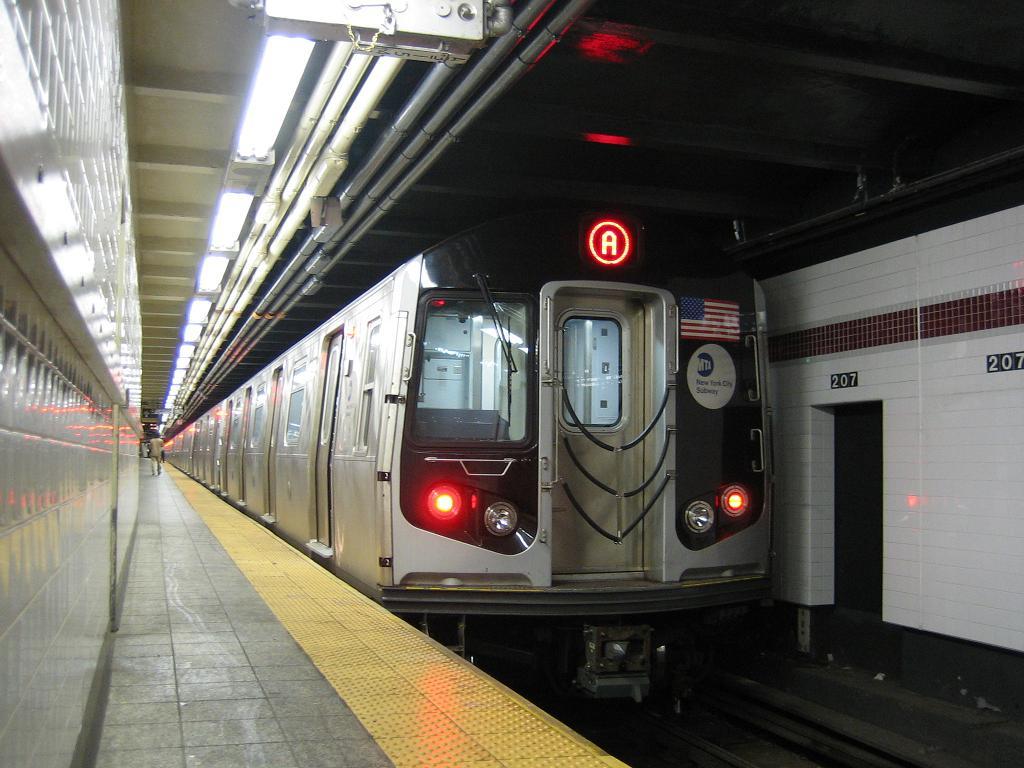 (116k, 1024x768)<br><b>Country:</b> United States<br><b>City:</b> New York<br><b>System:</b> New York City Transit<br><b>Line:</b> IND 8th Avenue Line<br><b>Location:</b> 207th Street <br><b>Route:</b> A<br><b>Car:</b> R-160A-2 (Alstom, 2005-2008, 5 car sets)  8653 <br><b>Photo by:</b> Michael Hodurski<br><b>Date:</b> 10/18/2006<br><b>Viewed (this week/total):</b> 0 / 3490