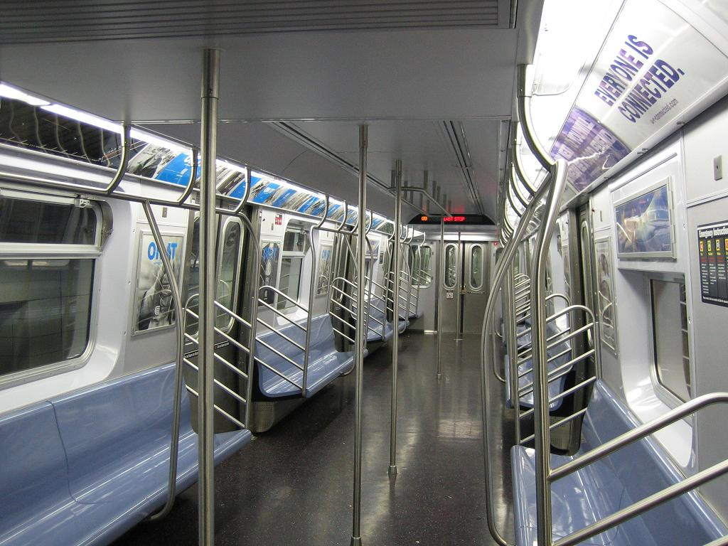 (141k, 1024x768)<br><b>Country:</b> United States<br><b>City:</b> New York<br><b>System:</b> New York City Transit<br><b>Line:</b> IND 8th Avenue Line<br><b>Location:</b> 207th Street<br><b>Route:</b> A<br><b>Car:</b> R-160A-2 (Alstom, 2005-2008, 5 car sets) 8662 <br><b>Photo by:</b> Michael Hodurski<br><b>Date:</b> 10/18/2006<br><b>Viewed (this week/total):</b> 1 / 6104