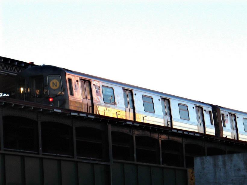 (68k, 820x615)<br><b>Country:</b> United States<br><b>City:</b> New York<br><b>System:</b> New York City Transit<br><b>Line:</b> BMT Astoria Line<br><b>Location:</b> Astoria Boulevard/Hoyt Avenue <br><b>Route:</b> N<br><b>Car:</b> R-68A (Kawasaki, 1988-1989)  5024 <br><b>Photo by:</b> Gary Chatterton<br><b>Date:</b> 10/14/2006<br><b>Viewed (this week/total):</b> 1 / 2240
