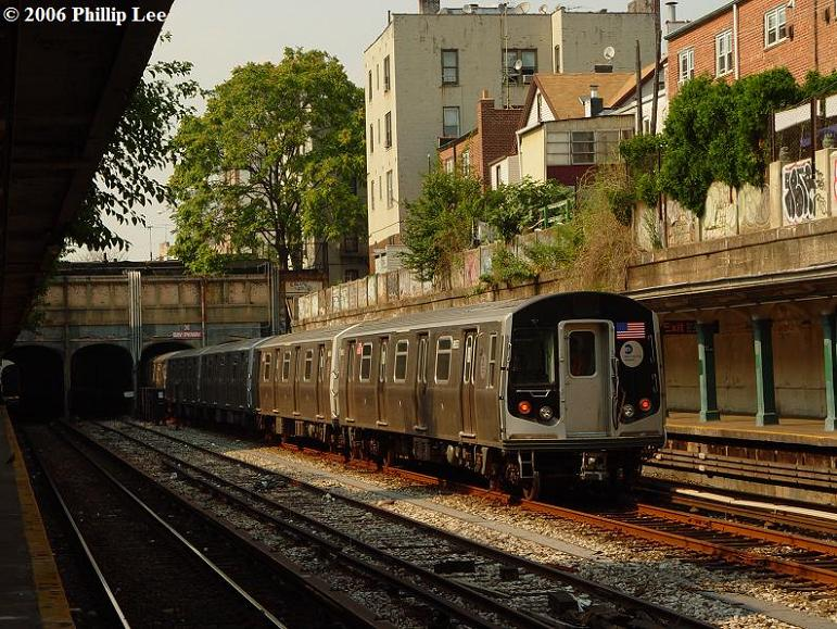 (117k, 771x579)<br><b>Country:</b> United States<br><b>City:</b> New York<br><b>System:</b> New York City Transit<br><b>Line:</b> BMT Sea Beach Line<br><b>Location:</b> Bay Parkway (22nd Avenue) <br><b>Car:</b> R-160A/R-160B Series (Number Unknown)  <br><b>Photo by:</b> Phillip Lee<br><b>Date:</b> 7/18/2006<br><b>Viewed (this week/total):</b> 0 / 2643