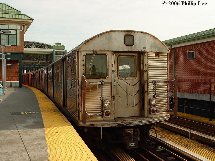 (83k, 743x557)<br><b>Country:</b> United States<br><b>City:</b> New York<br><b>System:</b> New York City Transit<br><b>Location:</b> Coney Island/Stillwell Avenue<br><b>Route:</b> F<br><b>Car:</b> R-32 (Budd, 1964)   <br><b>Photo by:</b> Phillip Lee<br><b>Date:</b> 7/29/2006<br><b>Viewed (this week/total):</b> 0 / 2352