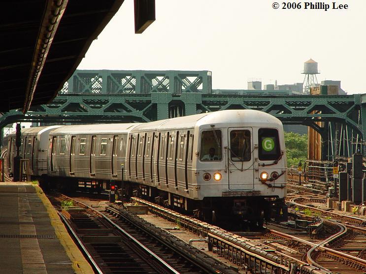 (90k, 743x557)<br><b>Country:</b> United States<br><b>City:</b> New York<br><b>System:</b> New York City Transit<br><b>Line:</b> IND Crosstown Line<br><b>Location:</b> 4th Avenue <br><b>Route:</b> G<br><b>Car:</b> R-46 (Pullman-Standard, 1974-75)  <br><b>Photo by:</b> Phillip Lee<br><b>Date:</b> 7/29/2006<br><b>Viewed (this week/total):</b> 4 / 3143