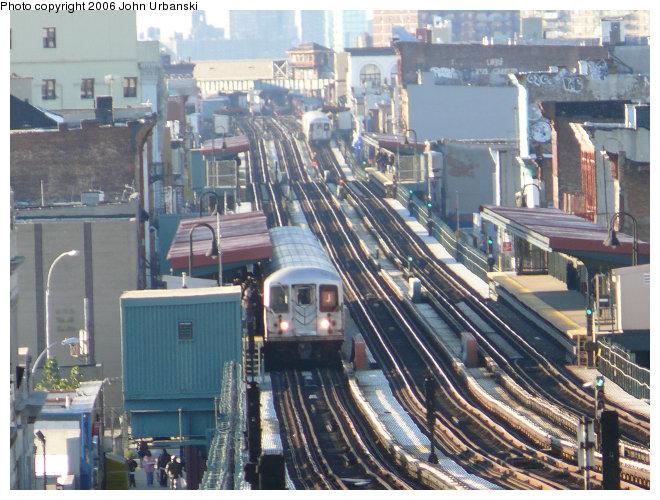 (129k, 660x500)<br><b>Country:</b> United States<br><b>City:</b> New York<br><b>System:</b> New York City Transit<br><b>Line:</b> BMT Nassau Street/Jamaica Line<br><b>Location:</b> Halsey Street <br><b>Route:</b> J<br><b>Car:</b> R-42 (St. Louis, 1969-1970)   <br><b>Photo by:</b> John Urbanski<br><b>Date:</b> 10/26/2006<br><b>Viewed (this week/total):</b> 1 / 5175