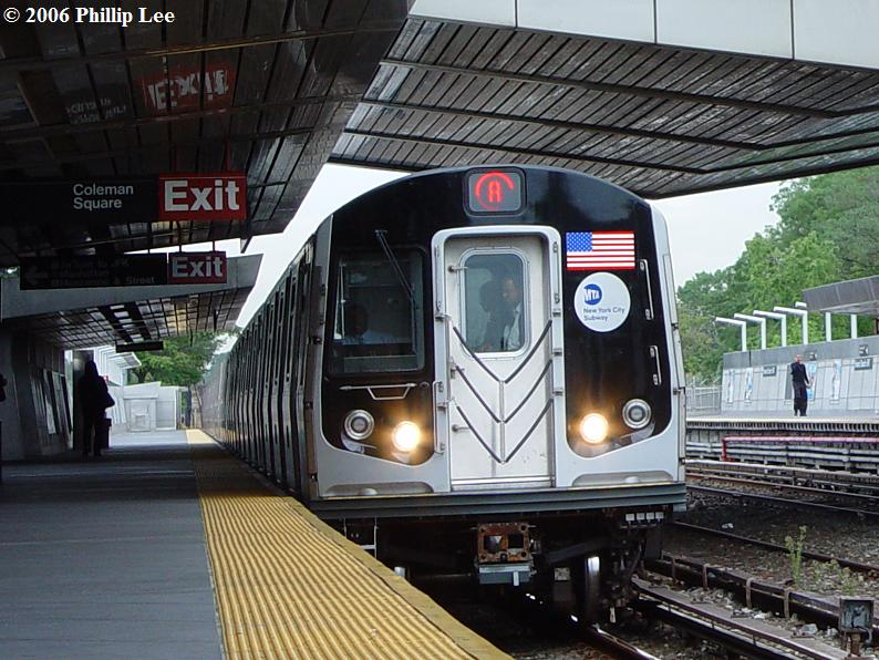 (102k, 794x596)<br><b>Country:</b> United States<br><b>City:</b> New York<br><b>System:</b> New York City Transit<br><b>Line:</b> IND Rockaway<br><b>Location:</b> Howard Beach <br><b>Route:</b> A<br><b>Car:</b> R-160A/R-160B Series (Number Unknown)  <br><b>Photo by:</b> Phillip Lee<br><b>Date:</b> 9/13/2006<br><b>Viewed (this week/total):</b> 4 / 5467