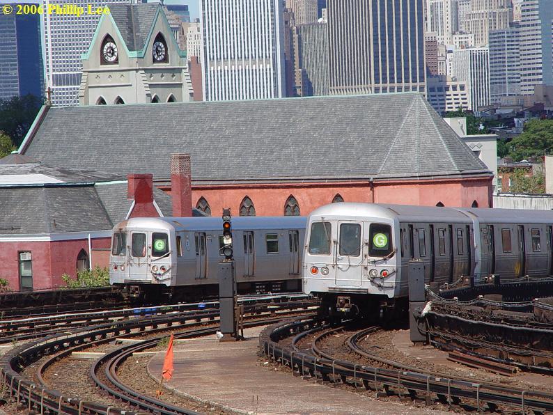 (129k, 794x596)<br><b>Country:</b> United States<br><b>City:</b> New York<br><b>System:</b> New York City Transit<br><b>Line:</b> IND Crosstown Line<br><b>Location:</b> Smith/9th Street <br><b>Route:</b> G<br><b>Car:</b> R-46 (Pullman-Standard, 1974-75)  <br><b>Photo by:</b> Phillip Lee<br><b>Date:</b> 9/11/2006<br><b>Viewed (this week/total):</b> 0 / 2698