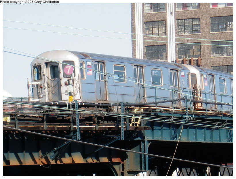 (136k, 820x620)<br><b>Country:</b> United States<br><b>City:</b> New York<br><b>System:</b> New York City Transit<br><b>Line:</b> IRT Flushing Line<br><b>Location:</b> Viaduct approach east of Hunterspoint Ave. <br><b>Route:</b> 7<br><b>Car:</b> R-62A (Bombardier, 1984-1987)  1785 <br><b>Photo by:</b> Gary Chatterton<br><b>Date:</b> 11/4/2006<br><b>Viewed (this week/total):</b> 0 / 1861