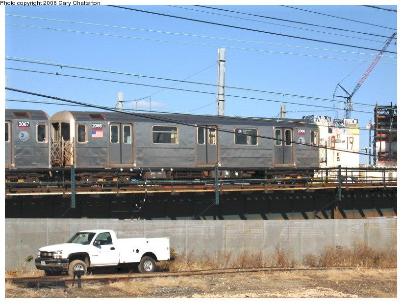 (125k, 820x620)<br><b>Country:</b> United States<br><b>City:</b> New York<br><b>System:</b> New York City Transit<br><b>Line:</b> IRT Flushing Line<br><b>Location:</b> Viaduct approach east of Hunterspoint Ave. <br><b>Route:</b> 7<br><b>Car:</b> R-62A (Bombardier, 1984-1987)  2066 <br><b>Photo by:</b> Gary Chatterton<br><b>Date:</b> 11/4/2006<br><b>Viewed (this week/total):</b> 0 / 1857