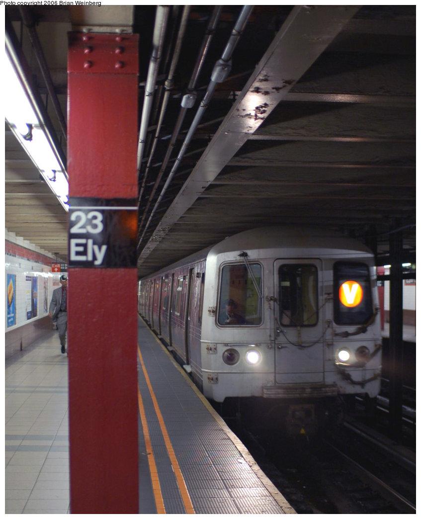 (171k, 847x1044)<br><b>Country:</b> United States<br><b>City:</b> New York<br><b>System:</b> New York City Transit<br><b>Line:</b> IND Queens Boulevard Line<br><b>Location:</b> Court Square/23rd St (Ely Avenue) <br><b>Route:</b> V<br><b>Car:</b> R-46 (Pullman-Standard, 1974-75) 5998 <br><b>Photo by:</b> Brian Weinberg<br><b>Date:</b> 11/9/2006<br><b>Viewed (this week/total):</b> 2 / 3989