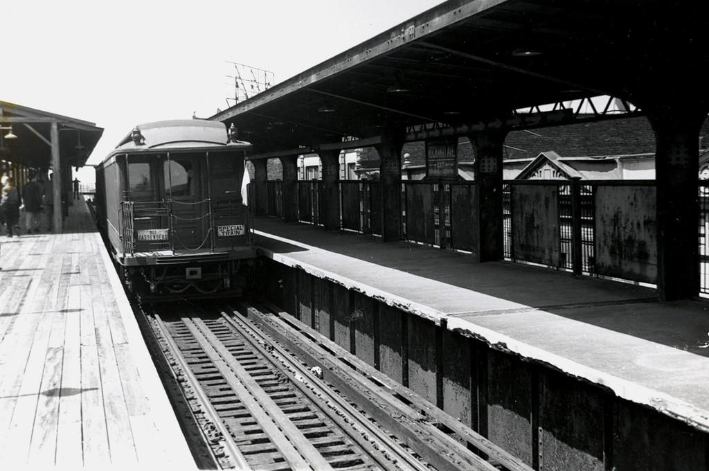 (163k, 1024x680)<br><b>Country:</b> United States<br><b>City:</b> New York<br><b>System:</b> New York City Transit<br><b>Line:</b> BMT Fulton<br><b>Location:</b> Rockaway Avenue <br><b>Car:</b> BMT Elevated Gate Car 1315/1382 <br><b>Collection of:</b> George Conrad Collection<br><b>Date:</b> 4/22/1956<br><b>Viewed (this week/total):</b> 3 / 1643