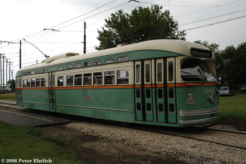 (208k, 864x574)<br><b>Country:</b> United States<br><b>City:</b> Union, IL<br><b>System:</b> Illinois Railway Museum <br><b>Car:</b> PCC  4391 <br><b>Photo by:</b> Peter Ehrlich<br><b>Date:</b> 8/27/2006<br><b>Notes:</b> CTA PCC 4391 at/leaving Electric Ave. stop.<br><b>Viewed (this week/total):</b> 5 / 2064