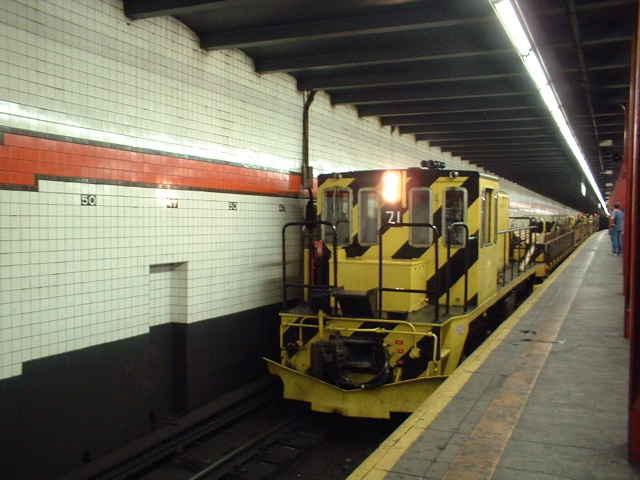 (39k, 640x480)<br><b>Country:</b> United States<br><b>City:</b> New York<br><b>System:</b> New York City Transit<br><b>Line:</b> IND 6th Avenue Line<br><b>Location:</b> 47-50th Street/Rockefeller Center <br><b>Route:</b> Work Service<br><b>Car:</b> R-52 Locomotive  71 <br><b>Photo by:</b> John Barnes<br><b>Date:</b> 9/4/2006<br><b>Viewed (this week/total):</b> 4 / 3515