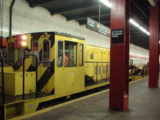 (38k, 640x480)<br><b>Country:</b> United States<br><b>City:</b> New York<br><b>System:</b> New York City Transit<br><b>Line:</b> IND 6th Avenue Line<br><b>Location:</b> 47-50th Street/Rockefeller Center <br><b>Route:</b> Work Service<br><b>Car:</b> R-52 Locomotive  71 <br><b>Photo by:</b> John Barnes<br><b>Date:</b> 9/4/2006<br><b>Viewed (this week/total):</b> 1 / 2438