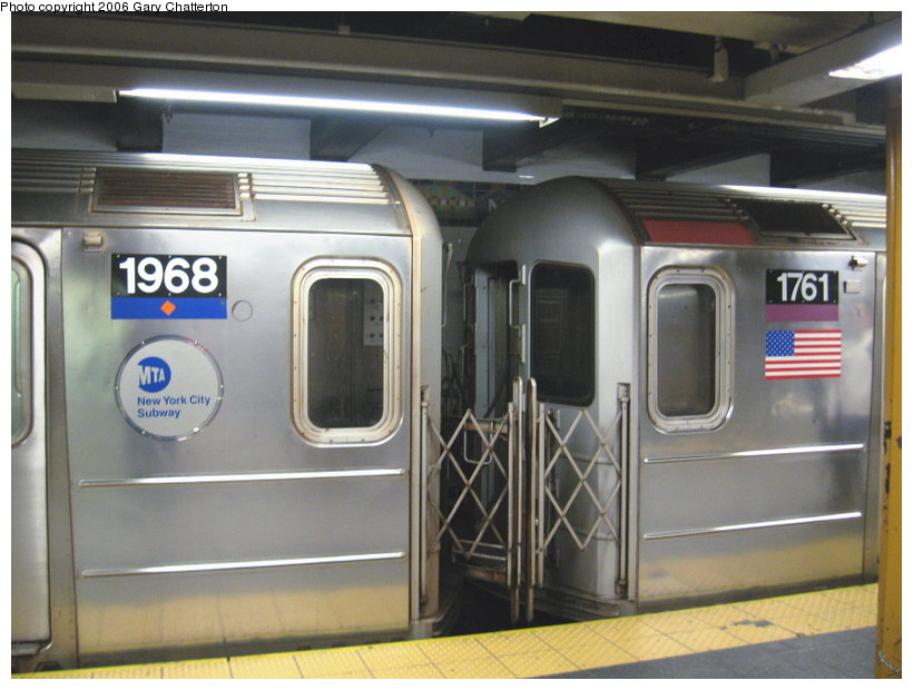(98k, 820x620)<br><b>Country:</b> United States<br><b>City:</b> New York<br><b>System:</b> New York City Transit<br><b>Line:</b> IRT Flushing Line<br><b>Location:</b> Main Street/Flushing <br><b>Route:</b> 7<br><b>Car:</b> R-62A (Bombardier, 1984-1987)  1968/1761 <br><b>Photo by:</b> Gary Chatterton<br><b>Date:</b> 11/18/2006<br><b>Notes:</b> Exterior R62A cars showing location of full-width cab window of car with closed-up cab.<br><b>Viewed (this week/total):</b> 1 / 4127