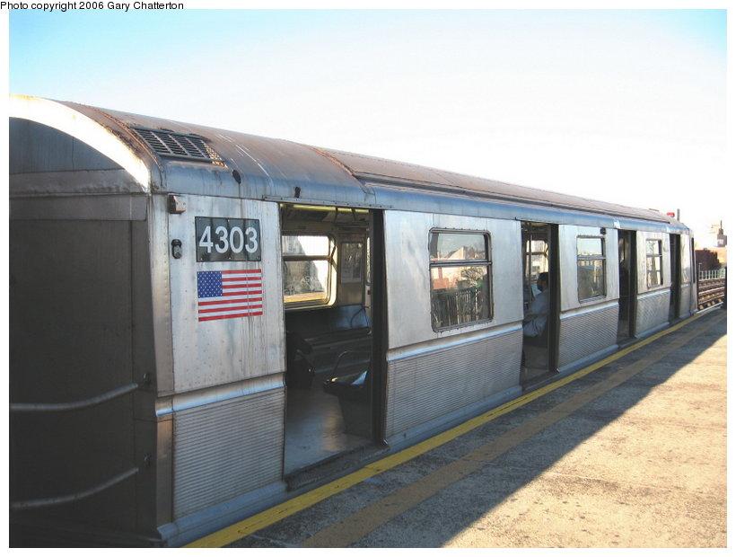 (90k, 820x620)<br><b>Country:</b> United States<br><b>City:</b> New York<br><b>System:</b> New York City Transit<br><b>Line:</b> BMT Astoria Line<br><b>Location:</b> 36th/Washington Aves. <br><b>Route:</b> N<br><b>Car:</b> R-40 (St. Louis, 1968)  4303 <br><b>Photo by:</b> Gary Chatterton<br><b>Date:</b> 11/21/2006<br><b>Viewed (this week/total):</b> 0 / 2247