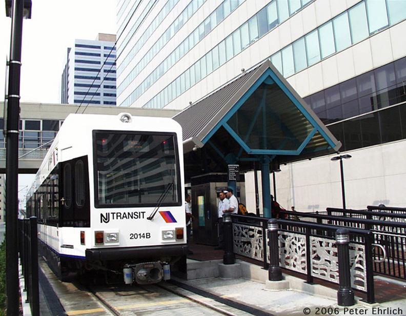 (215k, 792x616)<br><b>Country:</b> United States<br><b>City:</b> Jersey City, NJ<br><b>System:</b> Hudson Bergen Light Rail<br><b>Location:</b> Pavonia/Newport <br><b>Car:</b> NJT-HBLR LRV (Kinki-Sharyo, 1998-99)  2014 <br><b>Photo by:</b> Peter Ehrlich<br><b>Date:</b> 8/27/2001<br><b>Notes:</b> At Pavonia/Newport Station, at that time, the north terminal.<br><b>Viewed (this week/total):</b> 0 / 1007