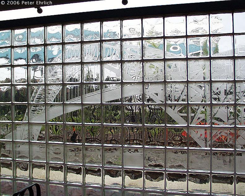 (340k, 792x634)<br><b>Country:</b> United States<br><b>City:</b> Bayonne, NJ<br><b>System:</b> Hudson Bergen Light Rail<br><b>Location:</b> East 34th Street <br><b>Photo by:</b> Peter Ehrlich<br><b>Date:</b> 8/27/2001<br><b>Notes:</b> Artwork at E. 34th Street Station.<br><b>Viewed (this week/total):</b> 1 / 1465