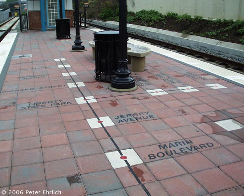 (203k, 792x634)<br><b>Country:</b> United States<br><b>City:</b> Bayonne, NJ<br><b>System:</b> Hudson Bergen Light Rail<br><b>Location:</b> East 34th Street <br><b>Photo by:</b> Peter Ehrlich<br><b>Date:</b> 8/27/2001<br><b>Notes:</b> Artwork at E. 34th Street Station.<br><b>Viewed (this week/total):</b> 0 / 1519