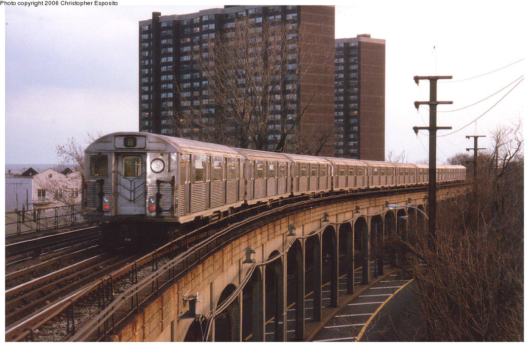 (202k, 1044x686)<br><b>Country:</b> United States<br><b>City:</b> New York<br><b>System:</b> New York City Transit<br><b>Line:</b> IND Rockaway<br><b>Location:</b> Beach 25th Street/Wavecrest <br><b>Route:</b> A<br><b>Car:</b> R-38 (St. Louis, 1966-1967)   <br><b>Photo by:</b> Christopher Esposito<br><b>Date:</b> 2000<br><b>Viewed (this week/total):</b> 1 / 3862