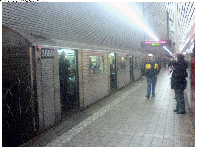 (178k, 820x620)<br><b>Country:</b> United States<br><b>City:</b> New York<br><b>System:</b> New York City Transit<br><b>Line:</b> IND Queens Boulevard Line<br><b>Location:</b> 5th Avenue/53rd Street <br><b>Route:</b> E<br><b>Car:</b> R-32 (Budd, 1964)  3689 <br><b>Photo by:</b> David Pirmann<br><b>Date:</b> 12/6/2006<br><b>Viewed (this week/total):</b> 4 / 4066