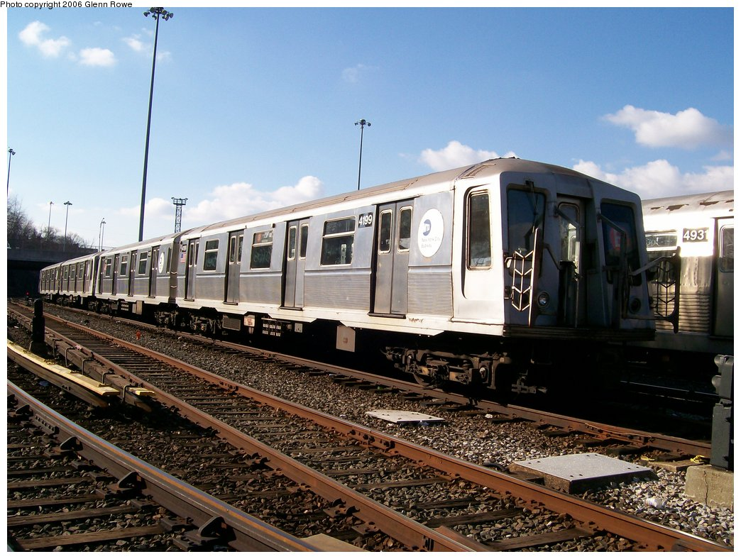 (204k, 1044x788)<br><b>Country:</b> United States<br><b>City:</b> New York<br><b>System:</b> New York City Transit<br><b>Location:</b> Concourse Yard<br><b>Car:</b> R-40 (St. Louis, 1968)  4199 <br><b>Photo by:</b> Glenn L. Rowe<br><b>Date:</b> 12/4/2006<br><b>Viewed (this week/total):</b> 0 / 2657