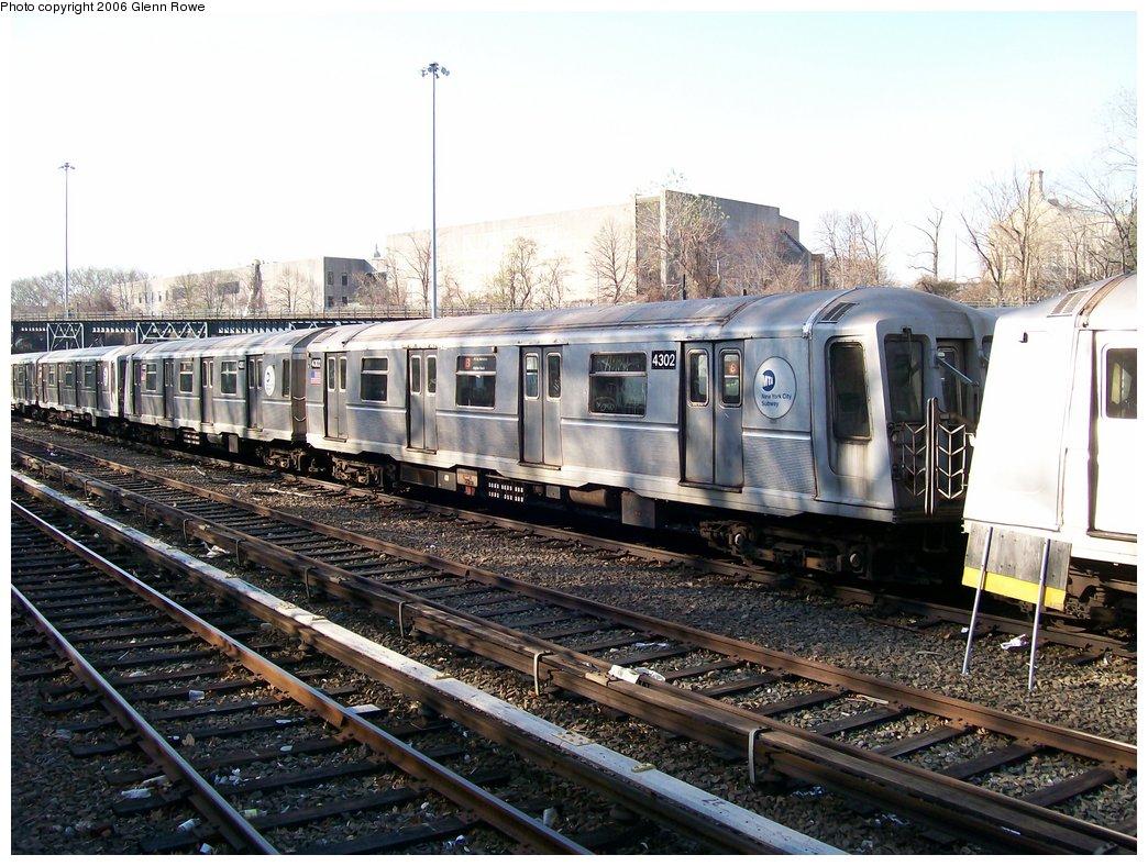(212k, 1044x788)<br><b>Country:</b> United States<br><b>City:</b> New York<br><b>System:</b> New York City Transit<br><b>Location:</b> Concourse Yard<br><b>Car:</b> R-40 (St. Louis, 1968)  4302 <br><b>Photo by:</b> Glenn L. Rowe<br><b>Date:</b> 12/7/2006<br><b>Viewed (this week/total):</b> 3 / 2221