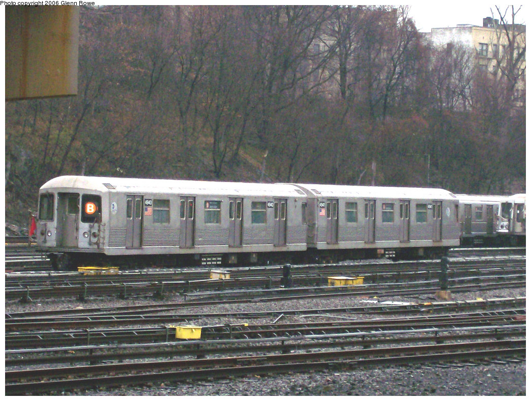 (295k, 1044x788)<br><b>Country:</b> United States<br><b>City:</b> New York<br><b>System:</b> New York City Transit<br><b>Location:</b> Concourse Yard<br><b>Car:</b> R-42 (St. Louis, 1969-1970)  4940-41 <br><b>Photo by:</b> Glenn L. Rowe<br><b>Date:</b> 12/13/2006<br><b>Viewed (this week/total):</b> 0 / 3047