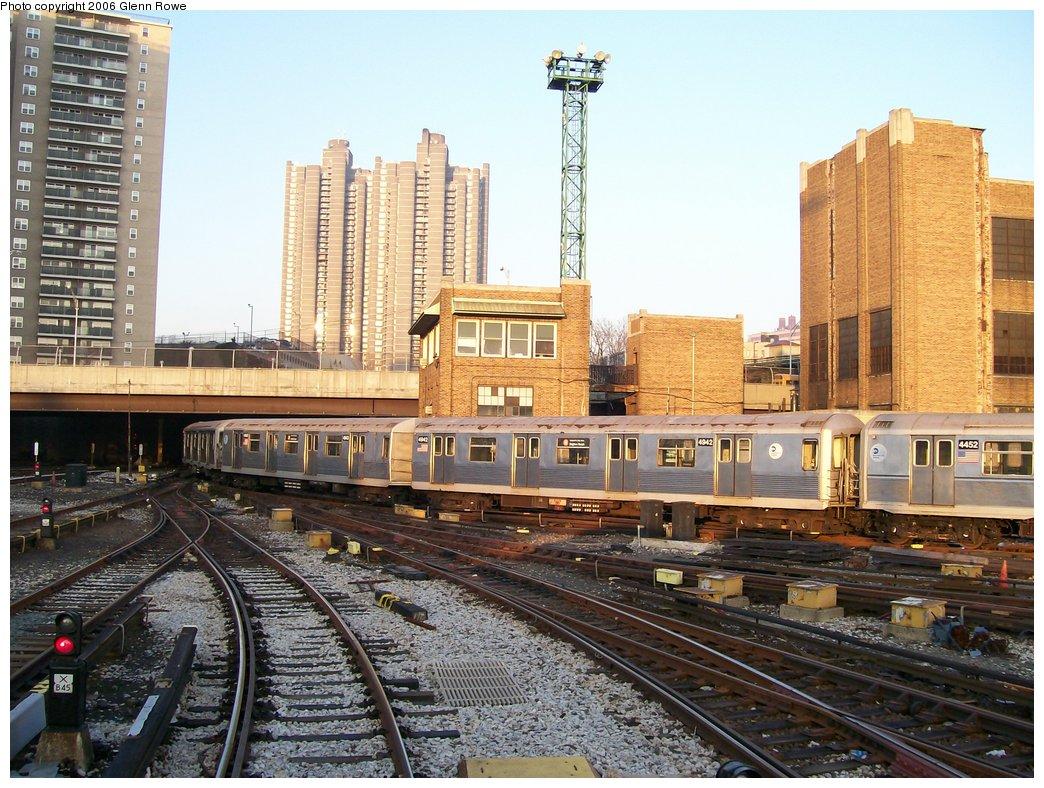 (222k, 1044x788)<br><b>Country:</b> United States<br><b>City:</b> New York<br><b>System:</b> New York City Transit<br><b>Location:</b> Concourse Yard<br><b>Car:</b> R-42 (St. Louis, 1969-1970)  4942-43 <br><b>Photo by:</b> Glenn L. Rowe<br><b>Date:</b> 12/14/2006<br><b>Viewed (this week/total):</b> 1 / 4214