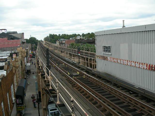(87k, 640x480)<br><b>Country:</b> United States<br><b>City:</b> New York<br><b>System:</b> New York City Transit<br><b>Line:</b> BMT Nassau Street/Jamaica Line<br><b>Location:</b> Woodhaven Boulevard <br><b>Photo by:</b> Joe Grillo<br><b>Date:</b> 9/10/2006<br><b>Notes:</b> Westbound (North) BMT Jamaica track from 95th street end of Woodhaven Blvd station.<br><b>Viewed (this week/total):</b> 0 / 2439