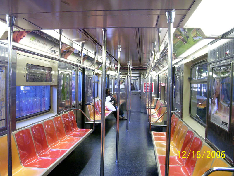 (131k, 800x600)<br><b>Country:</b> United States<br><b>City:</b> New York<br><b>System:</b> New York City Transit<br><b>Line:</b> IRT Lenox Line<br><b>Location:</b> 148th Street/Lenox Terminal <br><b>Route:</b> 3<br><b>Car:</b> R-62A (Bombardier, 1984-1987)  1931 <br><b>Photo by:</b> Aliandro Brathwaite<br><b>Date:</b> 12/16/2006<br><b>Viewed (this week/total):</b> 6 / 5953