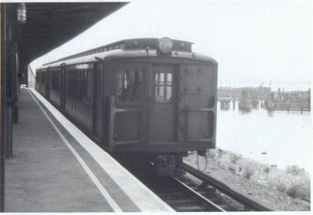 (33k, 640x439)<br><b>Country:</b> United States<br><b>City:</b> New York<br><b>System:</b> New York City Transit<br><b>Line:</b> SIRT<br><b>Location:</b> Tottenville <br><b>Collection of:</b> Vic Gordon<br><b>Date:</b> 1964<br><b>Viewed (this week/total):</b> 2 / 2094
