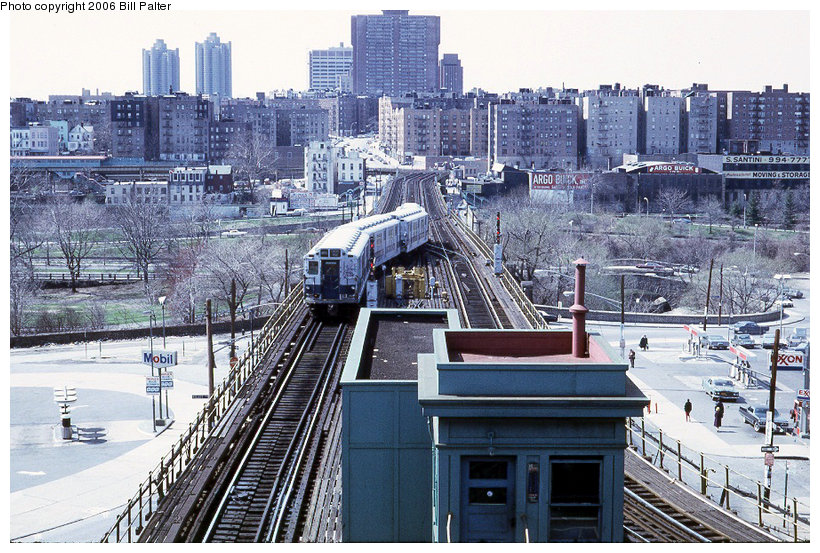 (185k, 820x553)<br><b>Country:</b> United States<br><b>City:</b> New York<br><b>System:</b> New York City Transit<br><b>Line:</b> 3rd Avenue El<br><b>Location:</b> Gun Hill Road <br><b>Photo by:</b> Kenneth Palter<br><b>Collection of:</b> Bill Palter<br><b>Date:</b> 4/1973<br><b>Notes:</b> View of 3rd Ave. el from upper level.<br><b>Viewed (this week/total):</b> 1 / 1684
