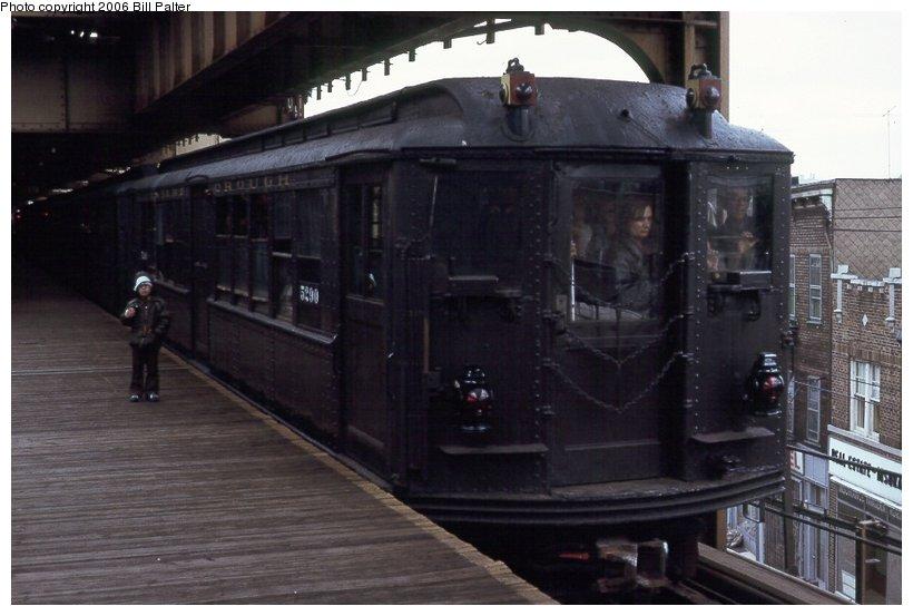 (79k, 820x553)<br><b>Country:</b> United States<br><b>City:</b> New York<br><b>System:</b> New York City Transit<br><b>Line:</b> 3rd Avenue El<br><b>Location:</b> Gun Hill Road <br><b>Car:</b> Low-V (Museum Train) 5290 <br><b>Photo by:</b> Kenneth Palter<br><b>Collection of:</b> Bill Palter<br><b>Date:</b> 5/1973<br><b>Notes:</b> Gun Hill Road lower level.<br><b>Viewed (this week/total):</b> 4 / 2500