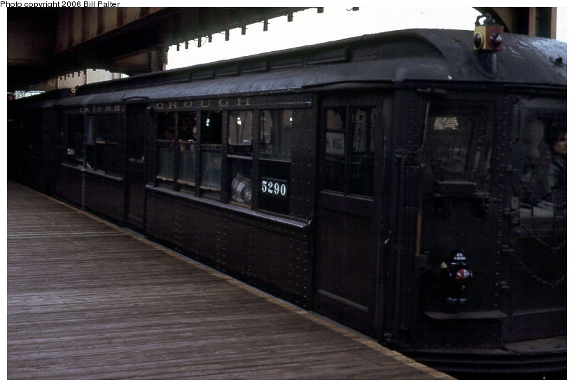 (88k, 820x553)<br><b>Country:</b> United States<br><b>City:</b> New York<br><b>System:</b> New York City Transit<br><b>Line:</b> 3rd Avenue El<br><b>Location:</b> Gun Hill Road <br><b>Car:</b> Low-V (Museum Train) 5290 <br><b>Photo by:</b> Kenneth Palter<br><b>Collection of:</b> Bill Palter<br><b>Date:</b> 5/1973<br><b>Notes:</b> Gun Hill Road lower level.<br><b>Viewed (this week/total):</b> 3 / 1656
