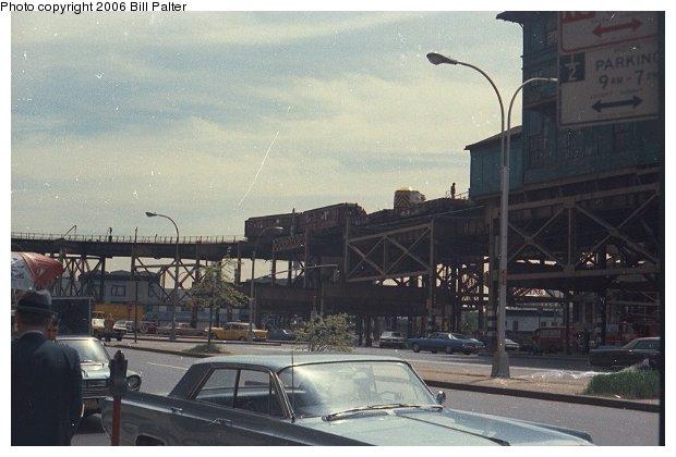 (53k, 620x420)<br><b>Country:</b> United States<br><b>City:</b> New York<br><b>System:</b> New York City Transit<br><b>Line:</b> BMT Astoria Line<br><b>Location:</b> Queensborough Plaza <br><b>Route:</b> Work Service<br><b>Car:</b> Low-V  <br><b>Photo by:</b> Bill Palter<br><b>Viewed (this week/total):</b> 0 / 3426