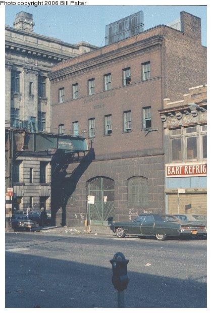 (66k, 420x620)<br><b>Country:</b> United States<br><b>City:</b> New York<br><b>System:</b> New York City Transit<br><b>Line:</b> 3rd Avenue El<br><b>Location:</b> 161st Street <br><b>Photo by:</b> Bill Palter<br><b>Notes:</b> 3rd Avenue el demolition, 161st St looking south.<br><b>Viewed (this week/total):</b> 1 / 1840