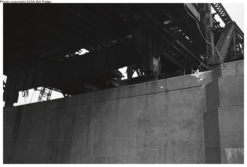 (77k, 820x553)<br><b>Country:</b> United States<br><b>City:</b> New York<br><b>System:</b> New York City Transit<br><b>Line:</b> IRT West Side Line<br><b>Location:</b> Broadway Bridge <br><b>Photo by:</b> Kenneth Palter<br><b>Collection of:</b> Bill Palter<br><b>Date:</b> 12/24/1960<br><b>Notes:</b> Broadway Bridge being replaced.<br><b>Viewed (this week/total):</b> 1 / 1153