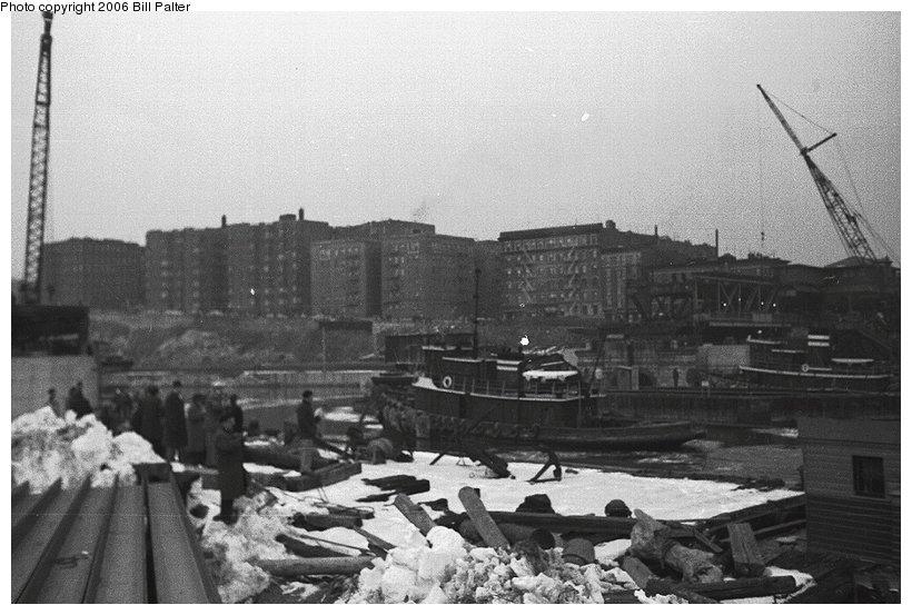 (98k, 820x553)<br><b>Country:</b> United States<br><b>City:</b> New York<br><b>System:</b> New York City Transit<br><b>Line:</b> IRT West Side Line<br><b>Location:</b> Broadway Bridge<br><b>Photo by:</b> Kenneth Palter<br><b>Collection of:</b> Bill Palter<br><b>Date:</b> 12/24/1960<br><b>Notes:</b> Broadway Bridge being replaced.<br><b>Viewed (this week/total):</b> 2 / 1598