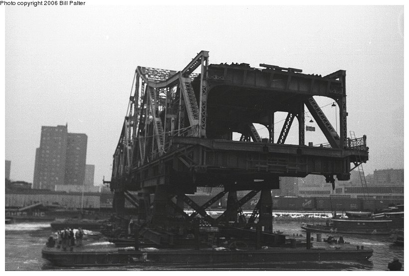 (83k, 820x553)<br><b>Country:</b> United States<br><b>City:</b> New York<br><b>System:</b> New York City Transit<br><b>Line:</b> IRT West Side Line<br><b>Location:</b> Broadway Bridge <br><b>Photo by:</b> Kenneth Palter<br><b>Collection of:</b> Bill Palter<br><b>Date:</b> 12/24/1960<br><b>Notes:</b> Broadway Bridge being replaced.<br><b>Viewed (this week/total):</b> 0 / 1185