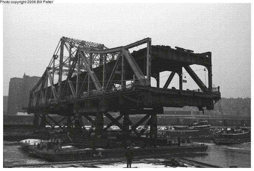 (88k, 820x553)<br><b>Country:</b> United States<br><b>City:</b> New York<br><b>System:</b> New York City Transit<br><b>Line:</b> IRT West Side Line<br><b>Location:</b> Broadway Bridge <br><b>Photo by:</b> Kenneth Palter<br><b>Collection of:</b> Bill Palter<br><b>Date:</b> 12/24/1960<br><b>Notes:</b> Broadway Bridge being replaced.<br><b>Viewed (this week/total):</b> 3 / 1672