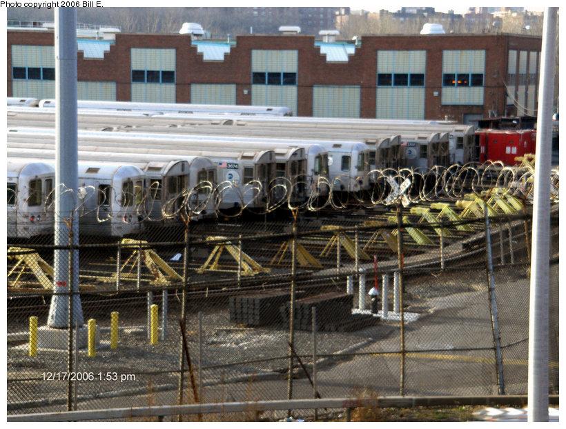 (194k, 820x622)<br><b>Country:</b> United States<br><b>City:</b> New York<br><b>System:</b> New York City Transit<br><b>Location:</b> Jamaica Yard/Shops<br><b>Photo by:</b> Bill E.<br><b>Date:</b> 12/17/2006<br><b>Viewed (this week/total):</b> 1 / 3639