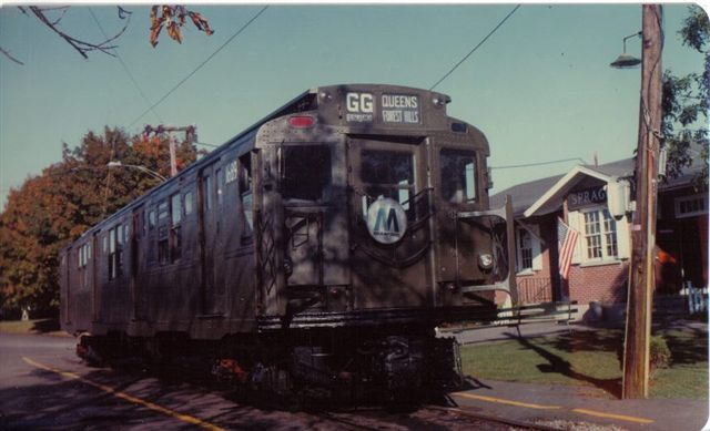 (43k, 640x389)<br><b>Country:</b> United States<br><b>City:</b> East Haven/Branford, Ct.<br><b>System:</b> Shore Line Trolley Museum <br><b>Car:</b> R-9 (American Car & Foundry, 1940)  1689 <br><b>Collection of:</b> Vic Gordon<br><b>Notes:</b> R9 1689 outside Sprague Station at Shore Line Trolley Museum.<br><b>Viewed (this week/total):</b> 0 / 2142