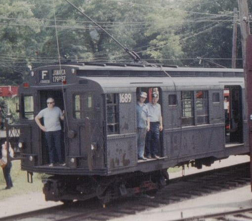 (42k, 510x448)<br><b>Country:</b> United States<br><b>City:</b> East Haven/Branford, Ct.<br><b>System:</b> Shore Line Trolley Museum <br><b>Car:</b> R-9 (American Car & Foundry, 1940)  1689 <br><b>Collection of:</b> Vic Gordon<br><b>Viewed (this week/total):</b> 1 / 2223