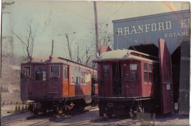 (43k, 640x424)<br><b>Country:</b> United States<br><b>City:</b> East Haven/Branford, Ct.<br><b>System:</b> Shore Line Trolley Museum <br><b>Car:</b> Low-V 5466 <br><b>Collection of:</b> Vic Gordon<br><b>Notes:</b> Day of arrival at Shore Line, with BU 1227.<br><b>Viewed (this week/total):</b> 0 / 1276