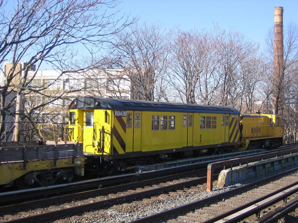 (234k, 1024x768)<br><b>Country:</b> United States<br><b>City:</b> New York<br><b>System:</b> New York City Transit<br><b>Line:</b> BMT Brighton Line<br><b>Location:</b> Avenue M <br><b>Route:</b> Work Service<br><b>Car:</b> R-161 Rider Car (ex-R-33)  RD430 (ex-8878)<br><b>Photo by:</b> Michael Hodurski<br><b>Date:</b> 12/9/2006<br><b>Viewed (this week/total):</b> 7 / 2302