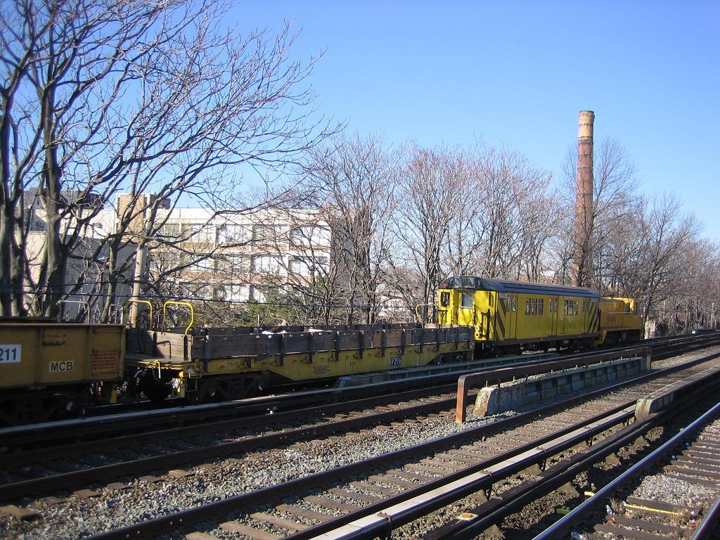 (229k, 1024x768)<br><b>Country:</b> United States<br><b>City:</b> New York<br><b>System:</b> New York City Transit<br><b>Line:</b> BMT Brighton Line<br><b>Location:</b> Avenue M <br><b>Route:</b> Work Service<br><b>Car:</b> R-72 Trailer Flat Car (Garrett, 1983)  216 <br><b>Photo by:</b> Michael Hodurski<br><b>Date:</b> 12/9/2006<br><b>Viewed (this week/total):</b> 2 / 2329