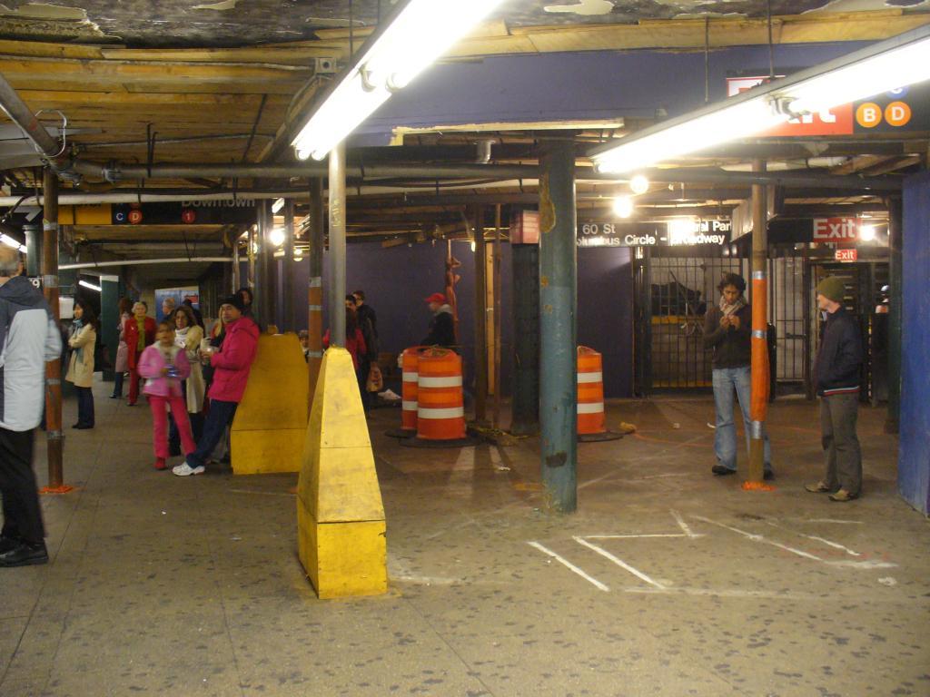 (131k, 1024x768)<br><b>Country:</b> United States<br><b>City:</b> New York<br><b>System:</b> New York City Transit<br><b>Line:</b> IND 8th Avenue Line<br><b>Location:</b> 59th Street/Columbus Circle <br><b>Photo by:</b> Robbie Rosenfeld<br><b>Date:</b> 12/26/2006<br><b>Notes:</b> Views of the station renovation at 59th St.-Columbus Circle.<br><b>Viewed (this week/total):</b> 0 / 2140