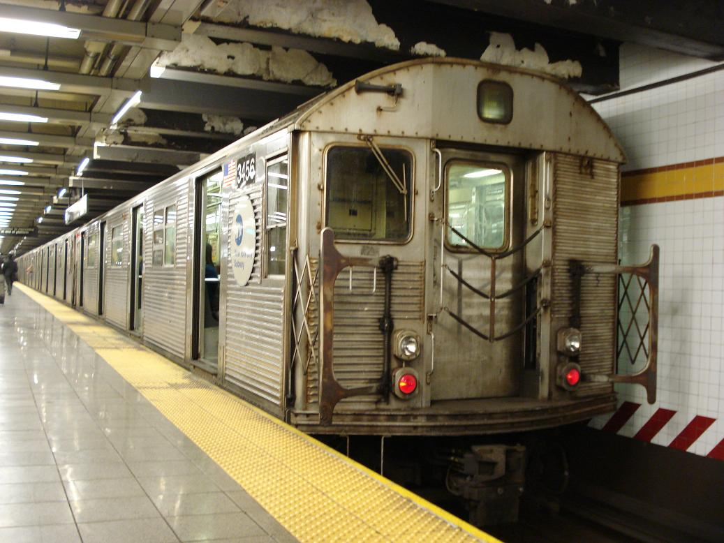 (132k, 1037x778)<br><b>Country:</b> United States<br><b>City:</b> New York<br><b>System:</b> New York City Transit<br><b>Line:</b> IND 8th Avenue Line<br><b>Location:</b> 14th Street <br><b>Route:</b> E<br><b>Car:</b> R-32 (Budd, 1964)  3456 <br><b>Photo by:</b> Michael Hodurski<br><b>Date:</b> 12/29/2006<br><b>Viewed (this week/total):</b> 1 / 2387